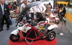 【福祉機器展11】車いすでもバイクの運転が可能に…ワイディーエス 画像