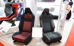 【東京モーターショー11】トヨタ 86/スバル BRZ のシートに座ろう 画像