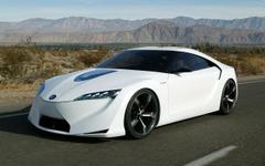トヨタ スープラ 後継車、400ps超のHVで日産 GT-R に対抗か 画像