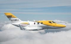 ホンダジェット、飛行試験用量産型4号機が初飛行に成功  画像