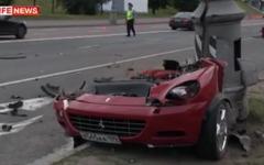 フェラーリ、事故で真っ二つに…ロシア[動画] 画像