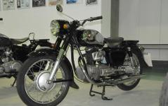 【昭和30年代モーターサイクル】シャフトドライブでホンダに対抗…ライラック UY2(1957)[写真蔵] 画像