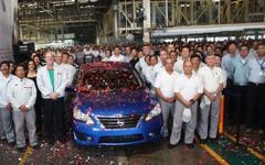 日産 セントラ 新型、メキシコ工場で生産開始 画像