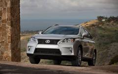 レクサスの噂の小型SUV、車名は「NX」か 画像