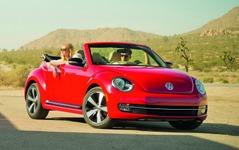 【ロサンゼルスモーターショー12】VW ザ・ビートルにカブリオレ…ソフトトップはスムーズ開閉 画像