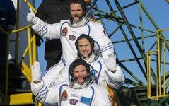 宇宙飛行士トリオがISSへ…学術調査を実施 NASA 画像