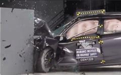【IIHS衝突安全】ホンダ アコード 新型、最高評価の安全ボディ[動画] 画像