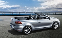 VW ゴルフ カブリオレ 一部改良…純正ナビなどを標準装備 画像