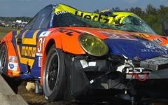 2台のポルシェ 911 がクラッシュ、宙を舞う…米ルマン[動画] 画像