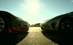 ブガッティ ヴェイロン 対 ケーニグセグ アゲーラ、世界最高峰のスーパーカーが加速対決[動画] 画像