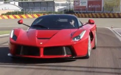 フェラーリの頂点、ラ・フェラーリ の最新映像…ピュアなアドレナリン[動画] 画像