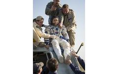 若田光一宇宙飛行士帰還 日本科学未来館で250人が見守る 画像