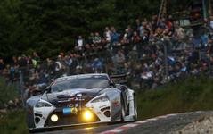 【ニュル24時間 2014】残り1時間…総合トップはアウディ R8、スバル WRX STIはトラブルでTT RSに先行許す 画像