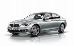 BMW 528i にアダプティブLEDヘッドライトを標準装備 710万円から 画像