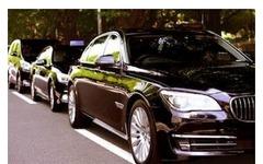 アプリでハイヤーが手配できる「Uber」が、タクシーの配車も可能に 画像