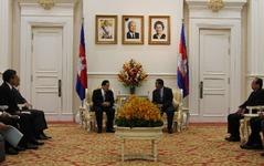 太田国土交通大臣、カンボジアのフン・セン首相と会談…「日本橋」の修復に期待 画像