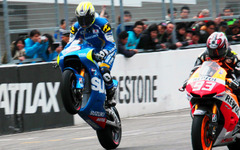【Moto GP 日本GP】スズキ、MotoGP参戦開発車両をシュワンツがデモラン 画像