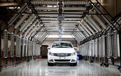 ダイムラー と中国 BYD の新ブランド、デンツァ …市販EV生産開始 画像