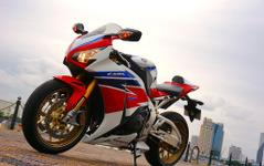 ホンダ CBR1000RR SP…スーパースポーツが専用装備・セッティングでパワーアップ[写真蔵] 画像