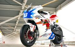 無限の電動バイク「神電」…マン島TTレース初出場でクラス2位を獲得した初代[写真蔵] 画像