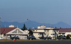 アメリカ軍のステルス戦闘機、横田基地へ2年ぶりの飛来 画像