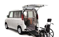 マツダ、フレアワゴン車いす移動車 を一部改良…安全性能を強化 画像