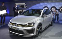 【ロサンゼルスモーターショー14】VW ゴルフ R 400、北米初公開…市販化の可能性は? 画像