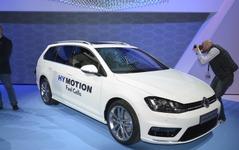 【ロサンゼルスモーターショー14】VW、6年ぶりに燃料電池車を発表…ゴルフ ベースのハイモーション 画像