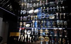 【F1】レッドブル、本拠地から60点以上の優勝トロフィーが盗まれる 画像
