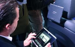 【CES15】アウディ Q7 新型、コクピット革命の次は「タブレット」 画像