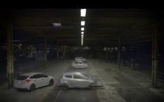 フォード フォーカス RS 新型、自動車工場内でジムカーナ[動画] 画像