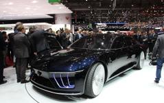 【ジュネーブモーターショー15】ジウジアーロ GEA 登場…移動空間の概念を変えるコンセプトカー 画像