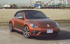 【ニューヨークモーターショー15】VW ザ・ビートル カブリオレ に夏仕様…ハバネロオレンジで塗装 画像