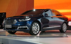 【上海モーターショー15】フォード トーラス…中国の需要に応えた新型[詳細画像] 画像