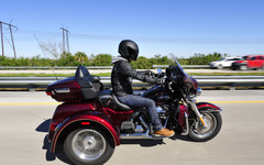 【ハーレー トライグライドウルトラ 試乗】ハーレー純正の3輪、ロングドライブで魅力増…青木タカオ 画像
