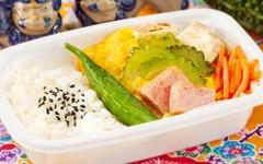 バニラエアに夏仕様の機内食…沖縄コラボで「ニンジンしりしり」も 画像