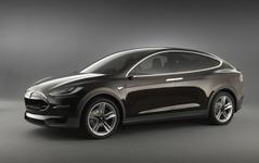 テスラの新型EV、モデルX…発売は9月に決定 画像