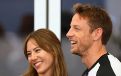 【F1】バトン&ジェシカ夫妻、休暇中に盗難被害…婚約指輪などが盗まれる 画像
