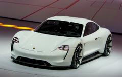 【フランクフルトモーターショー15】ポルシェ、600hpのEVスポーツカー提示…ミッションE 画像