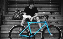 見た目はピストな街乗り自転車「DS700」発売 画像