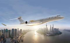 ボンバルディア、次世代ビジネスジェット飛行試験機にエンジンを搭載 画像