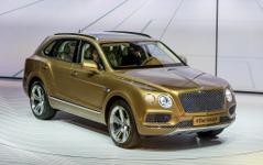【フランクフルトモーターショー15】ベントレー初の高級SUV、ベンテイガ 公開 …新基準を標榜 画像