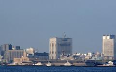 ヘリコプター搭載型護衛艦「いずも」、横浜港に登場[写真蔵] 画像