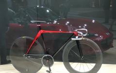 「魂動デザイン」を自動車以外で表現…マツダによるふたつのコンセプト作品 画像