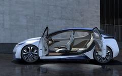【東京モーターショー15】日産、近未来のEVと自動運転の『IDS コンセプト』をサプライズ公開 画像