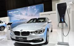 【東京モーターショー15】BMW 330e…3シリーズ 初のPHV[詳細画像] 画像