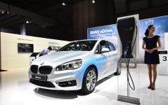 【東京モーターショー15】BMW 225xe…2シリーズアクティブツアラーがPHV化、モーターで4WDに[詳細画像] 画像