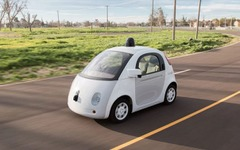グーグルの自動運転車、警察から事情聴取…速度が遅すぎる 画像