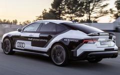 アウディの自動運転車、スペインのサーキットで最速記録 画像