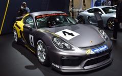 【ロサンゼルスモーターショー15】ポルシェ ケイマン GT4 に「クラブスポーツ」…軽量レーサー 画像